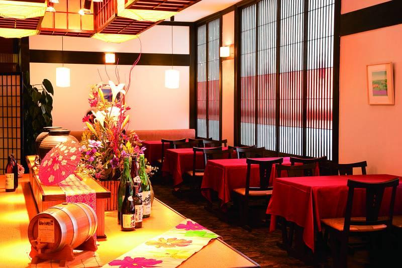 レストラン ディナー営業予約制へ変更のお知らせ